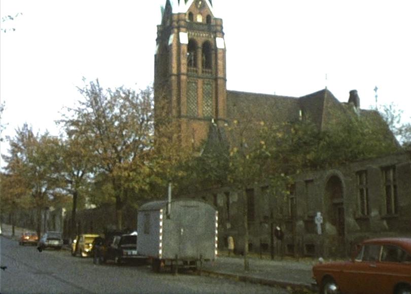 Die Berliner Mauer, 1976: Die Versöhnungskirche in der Bernauer Straße 4.